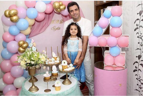 منوچهر هادی در تولد دخترش + عکس