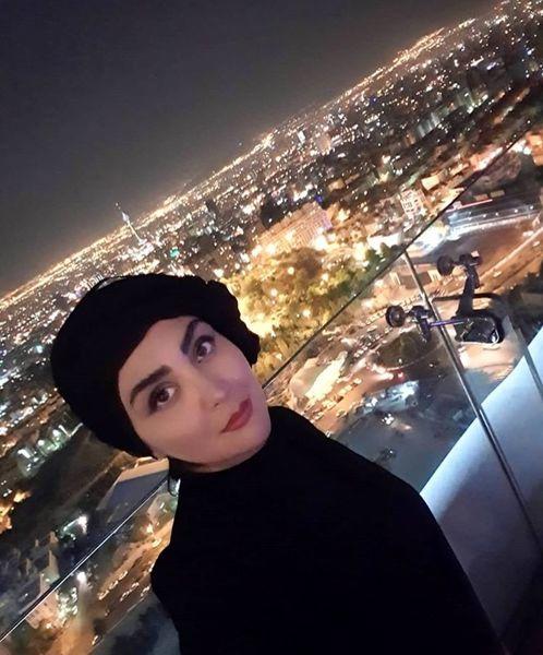 شبهای تهران در زیر پای خانم بازیگر + عکس