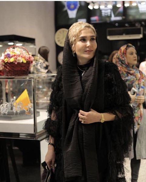 زهره فکور صبور در حال خرید + عکس