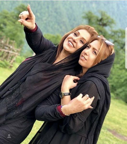 نسرین مقانلو در آغوش خواهر کوچکش + عکس