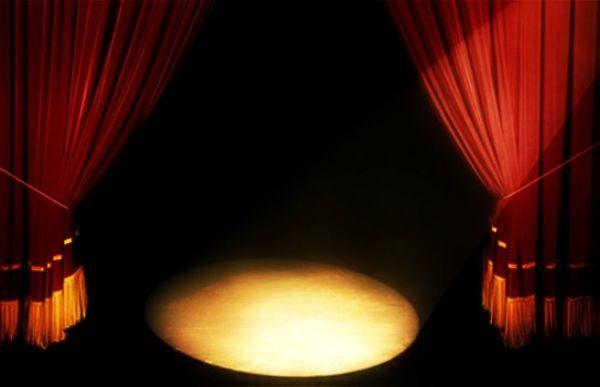 دو هنرمند تئاتری آزاد شدند