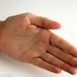 خاریدن کف دست نشانه چیست؟