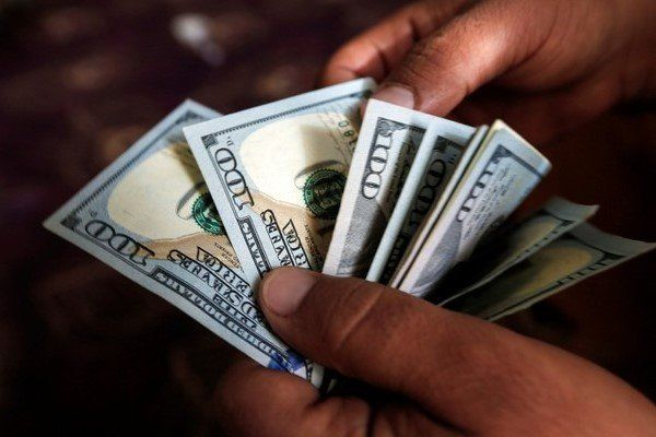 آیا کاهش قیمت دلار در بازار دستوری است؟