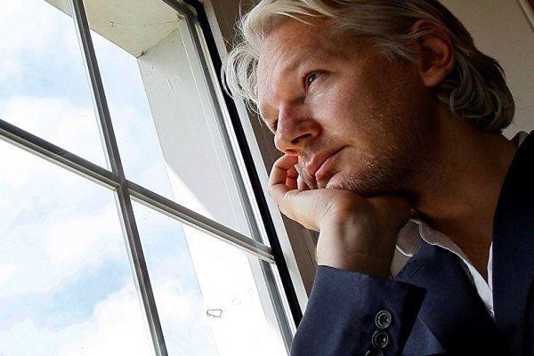 آسانژ: اکوادور در صدد است مرا به آمریکا تحویل دهد