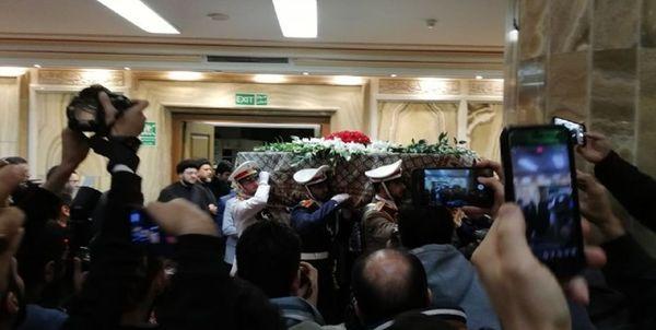 مراسم وداع با پیکر آیت الله هاشمی شاهرودی آغاز شد