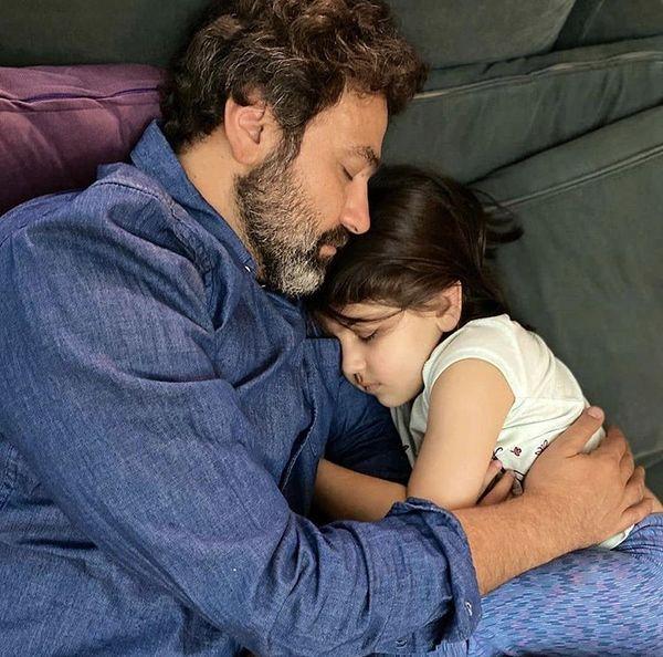 آرش مجیدی و دخترش در خواب + عکس