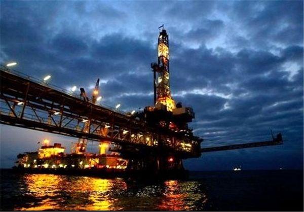 کاهش ۲۲ هزار بشکهای تولید نفت ایران در ماه گذشته