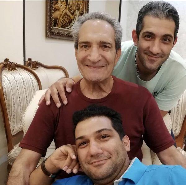 خشایار راد و پسرانش در خانه شان + عکس