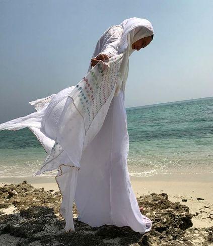 استایل فرشته مانندی سحر ولد بیگی لب دریا + عکس