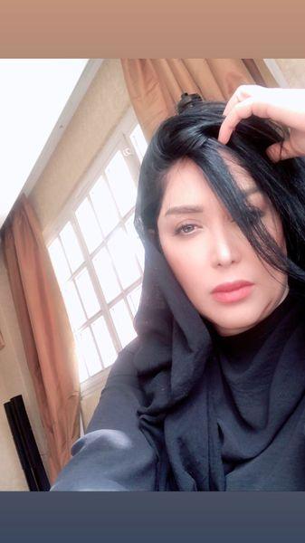 سارا منجزی پور در خانه اش + عکس