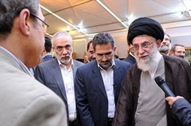 بازدید رهبر فرزانه انقلاب از نمایشگاه کتاب تهران