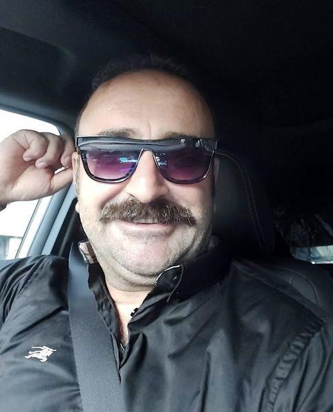 ماشین لاکچری مهران احمدی چیست؟ + عکس