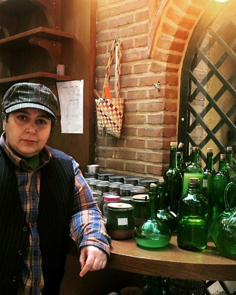 شهره لرستانی  در سفره خانه ای سنتی + عکس