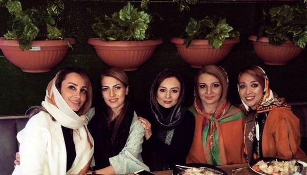 حس و حال عجیب یکتا ناصر در کنار دوستان دبیرستانی اش + عکس