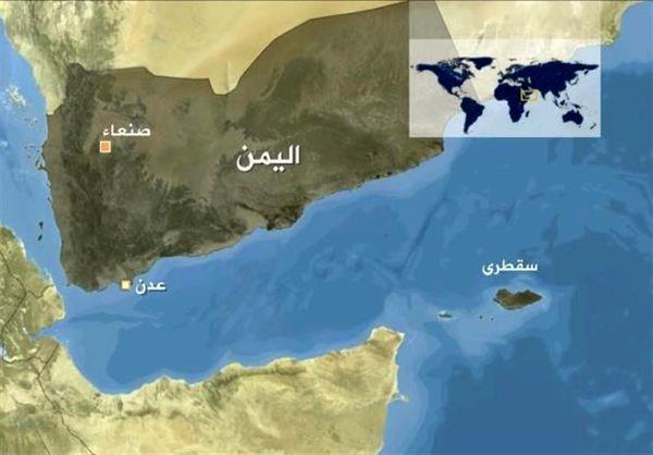 مقام یمنی: امارات نیرو و تجهیزات نظامی خود را از سقطری خارج میکند