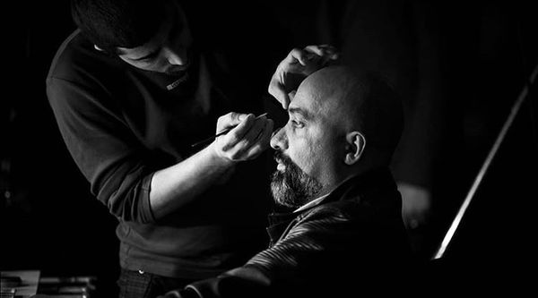 پیمان احمدی نیا در حال گریم + عکس