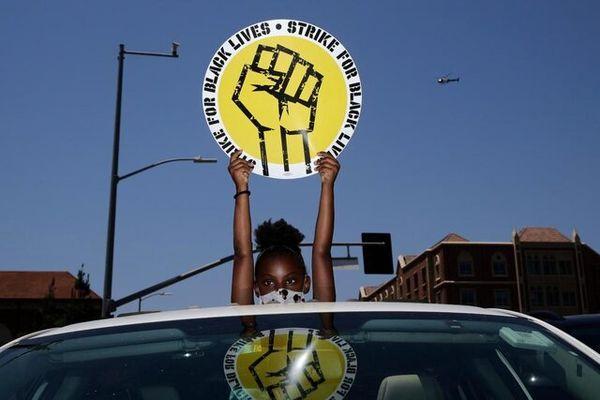 اعتصاب هزاران نفری کارگران آمریکا علیه نابرابری نژادی