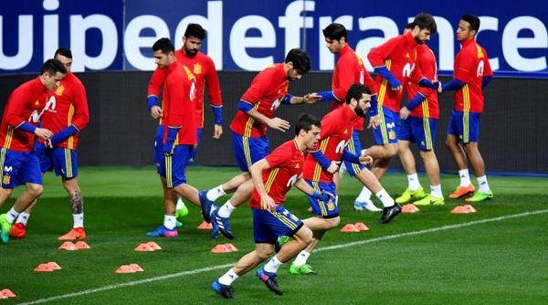 بازیکنان اسپانیا به اخراج لوپتگی اعتراضی نکردند