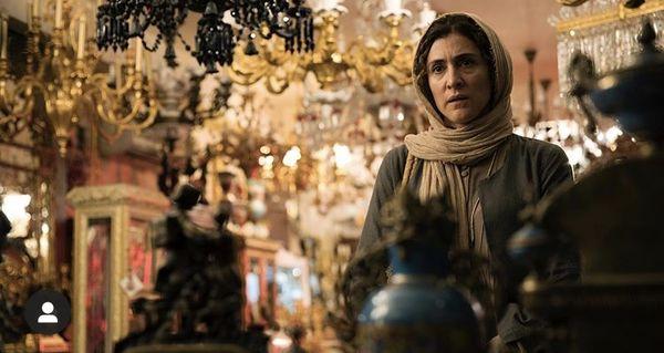 ویشکا آسایش در عتیقه فروشی + عکس