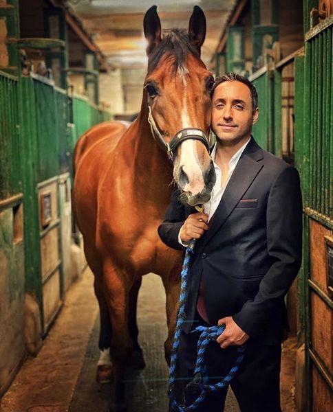 اسب زیبای امیرحسین رستمی + عکس
