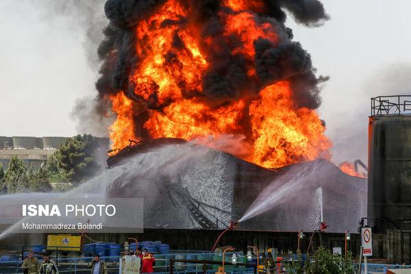 تصویری از مخزن آتش گرفته در پالایشگاه تهران