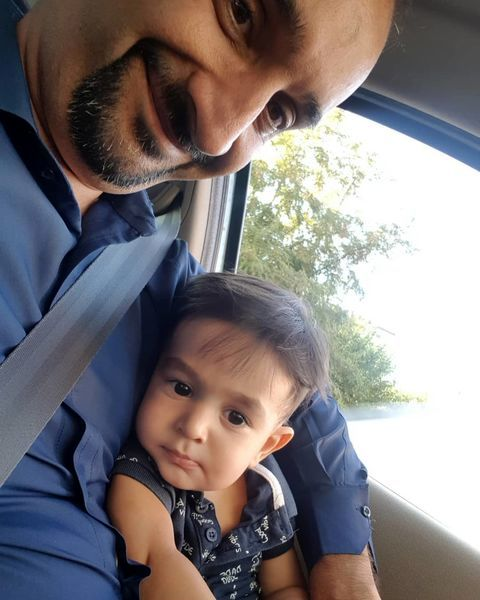 نیما کرمی و پسرش در ماشین + عکس