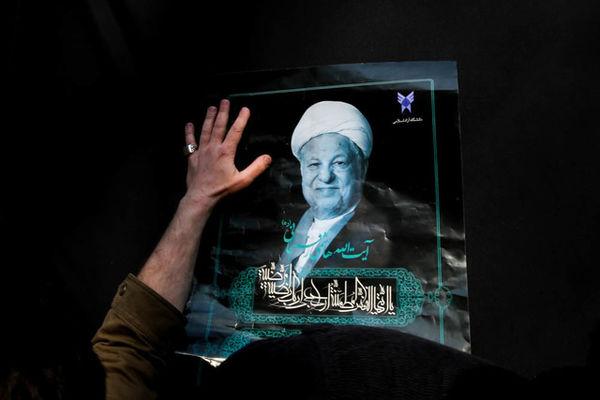 توجه پژوهشگر تاریخ به موزه آیتالله هاشمی رفسنجانی +عکس