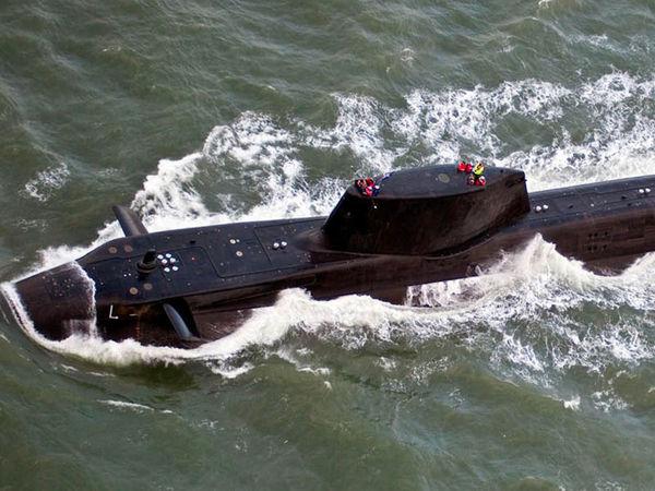 زیردریایی انگلیسی پیش از حمله به سوریه توسط روسیه رهگیری شد