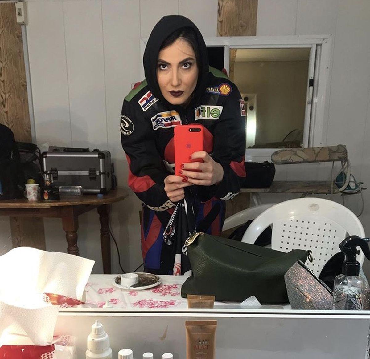 سمیرا حسنپور در پشت صحنه کار جدیدش + عکس