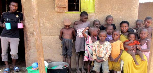 مادری 40 ساله با 44 فرزند+عکس