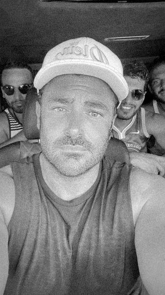 گلزار و دوستانش در سفر + عکس
