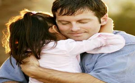 بغل کردن کودکان چه تاثیراتی دارد؟