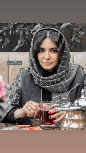 چایی نوشیدن لیندا کیانی + عکس