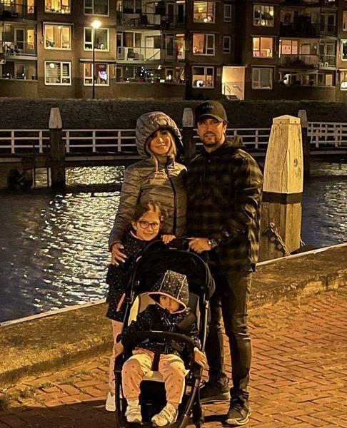 گردش شبانه خانواده شاهرخ استخری در بلژیک + عکس