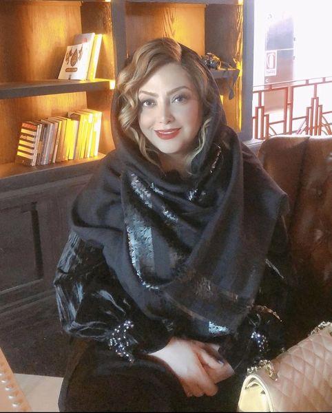 مریم سلطانی در یک کتابخانه لاکچری + عکس
