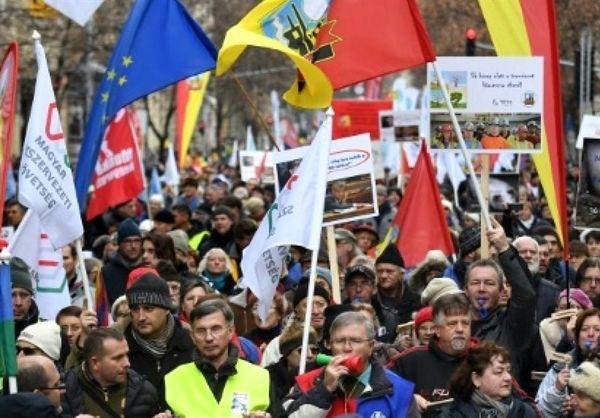 اعتراض جلیقه زردها به مجارستان هم سرایت کرد