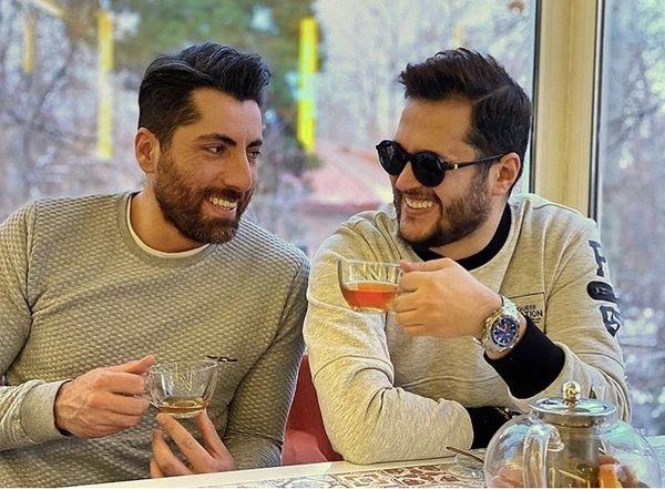 خوش و بش سیاوش خیرابی و دوستش در کافه + عکس