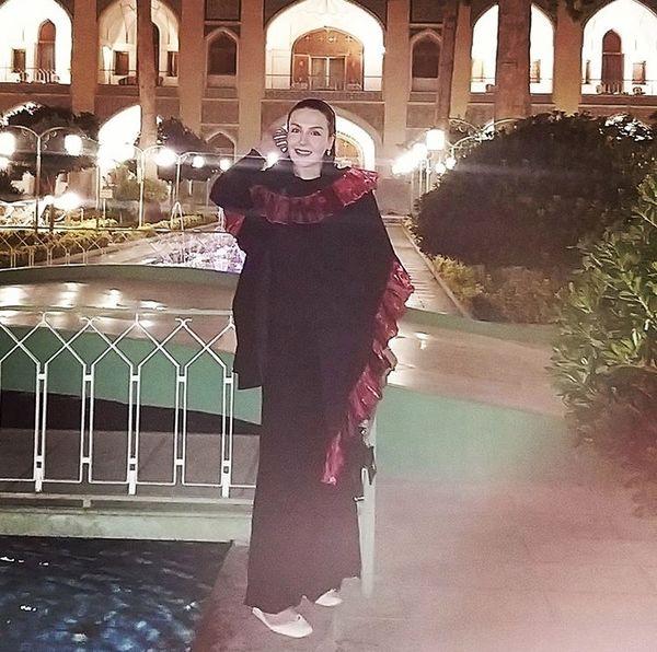 آزیتا ترکاشوند در هتلی زیبا + عکس