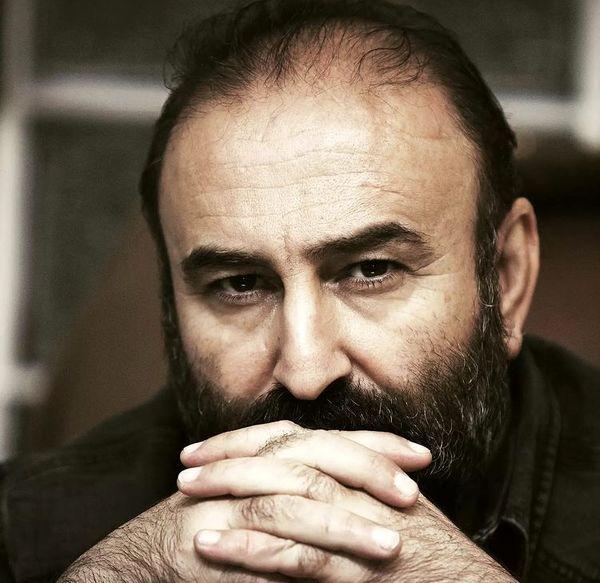 مهران احمدی با نگاهی متفکرانه + عکس