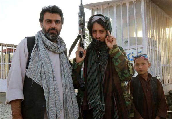 """محسن اسلام زاده با """"تنها میان طالبان ۲"""" دوباره میان طالبان رفت+عکس"""
