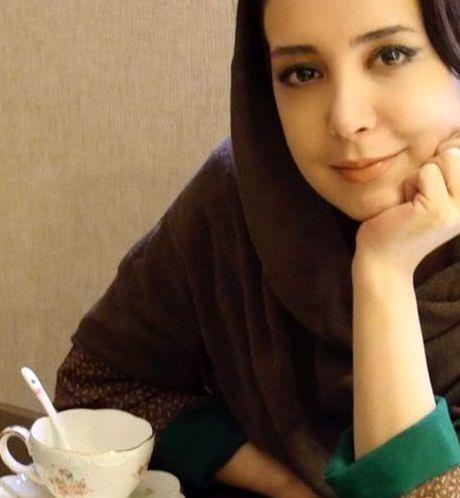 عکس ملیح سحر جعفری جوزانی در کافه