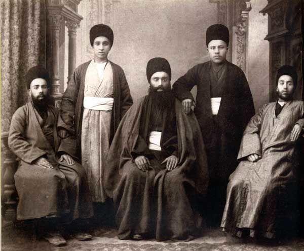 رهبری و پدیده «نفوذ»/ معمای یهودیان مخفی مشهد/ ابتذال سازی در مورد «نفوذ سیاسی پسابرجام»