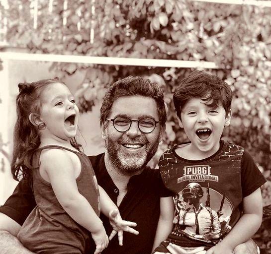 مصطفی کیایی و فرزندانش + عکس