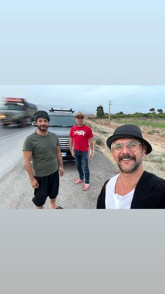 سلفی جاده ای امین حیایی و کیهان ملکی + عکس