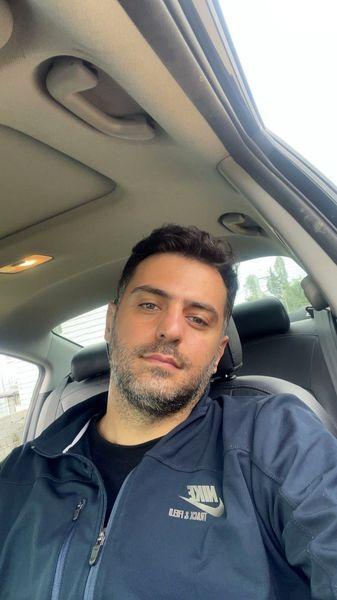 چهره خسته علی ضیا در ماشینش + عکس