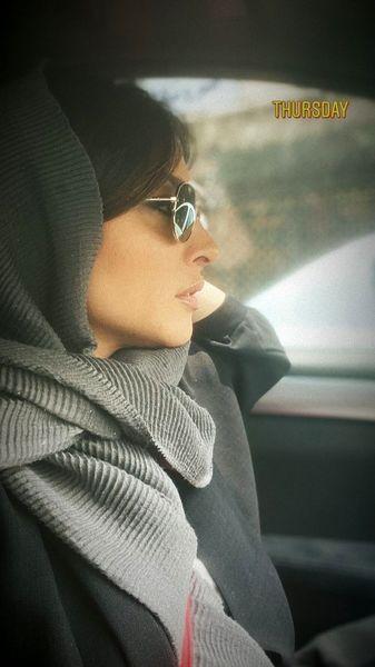 آناهیتا درگاهی در ماشینش + عکس