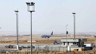 نمایش آثار هنرمندان معروف ایرانی در فرودگاه امام(ره)