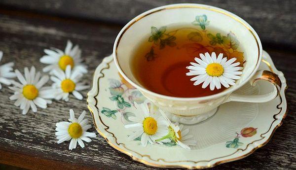 ۴ مزیت شگفتانگیز ای چای گیاهی