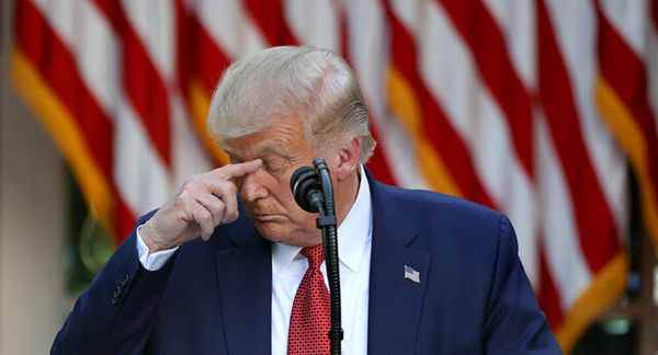 درصد تایید نحوه عملکرد ترامپ در مبارزه با کرونا به پایینترین حد خود رسید