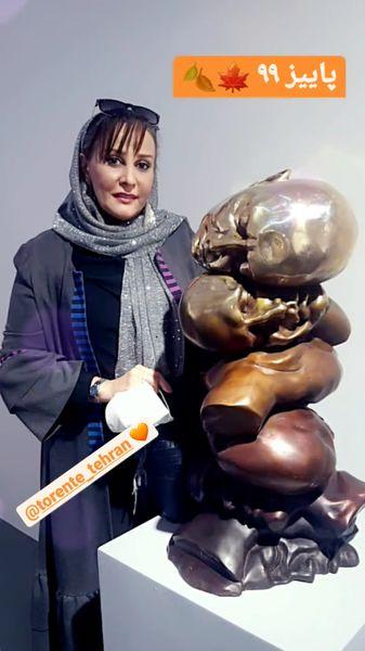 خانم بازیگر در گالری آثار هنری + عکس